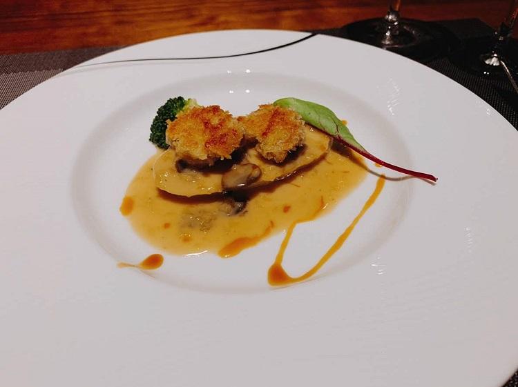 リー・ド・ヴォー 錦爽鶏のフリカッセ シュプレームソース