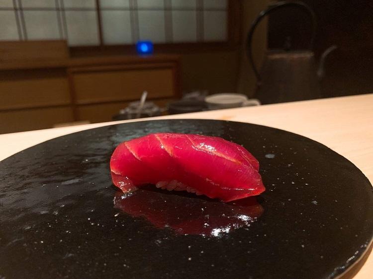 鮨なかむら 漬けマグロ