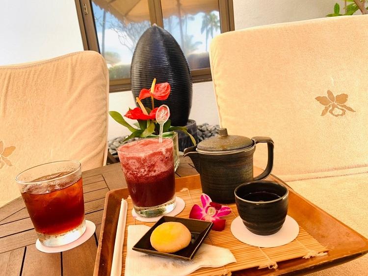 スパハレクラニ お茶とお茶菓子