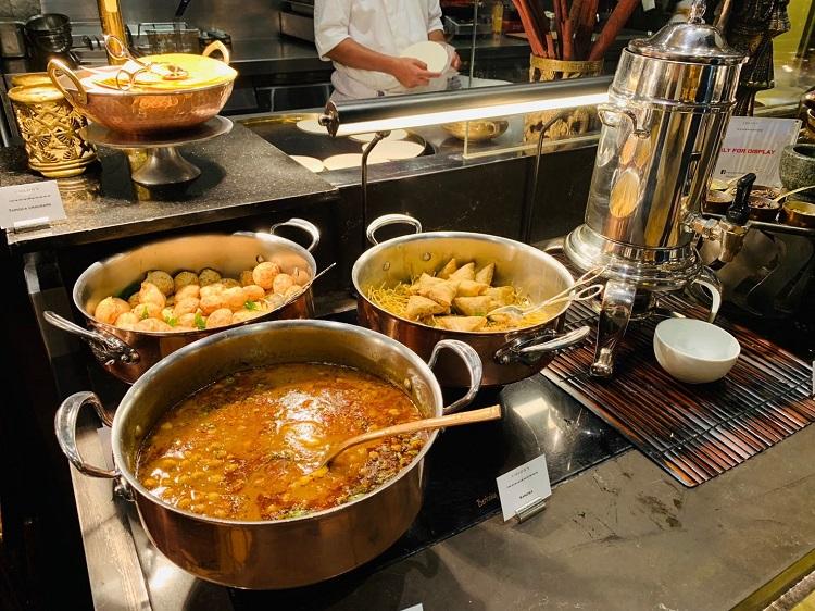 コロニー インド料理