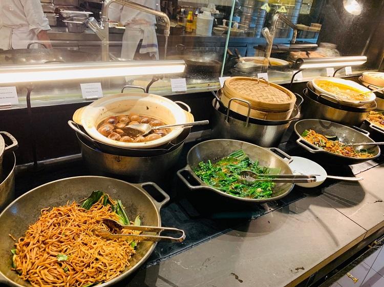 コロニー タイ料理