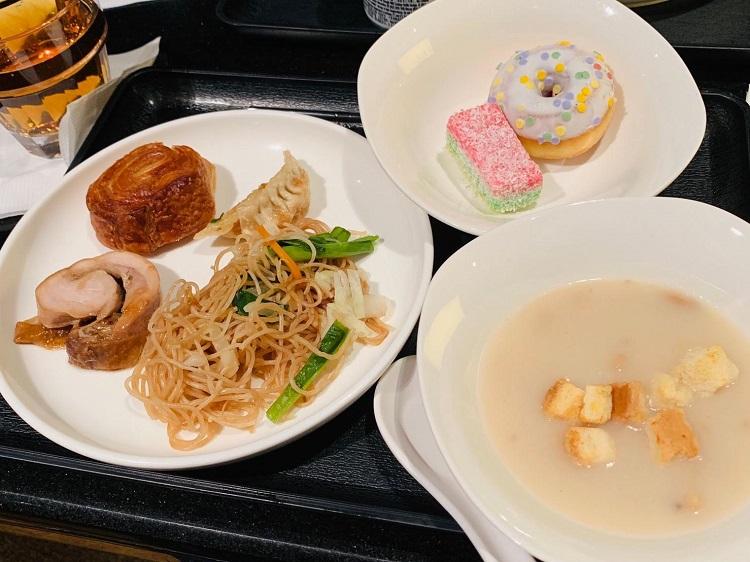 Plaza Premium Lounge 食事2