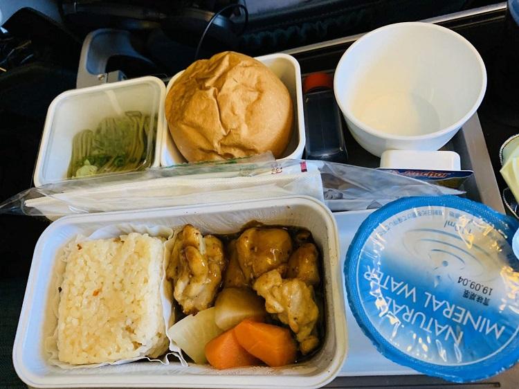 キャセイ 機内食 チキン