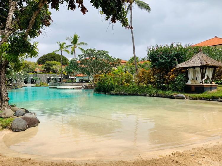 砂浜付きプール2