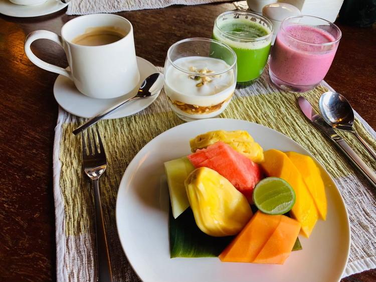 クドゥス(KUDUS) 朝食 フルーツの盛り合わせ