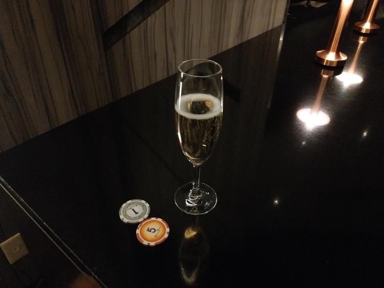 シャンパン「マム グラン コルドン NV」