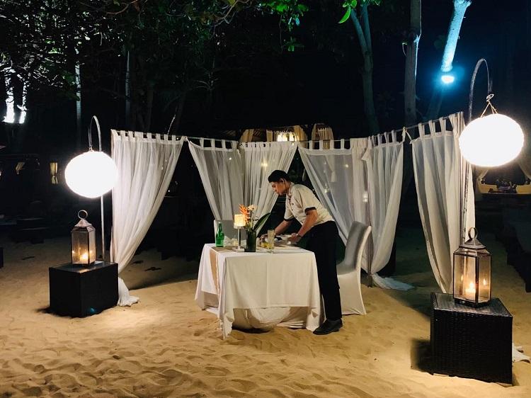 浜辺のディナー