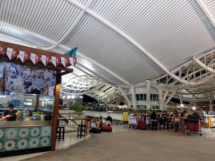 テンパサール空港