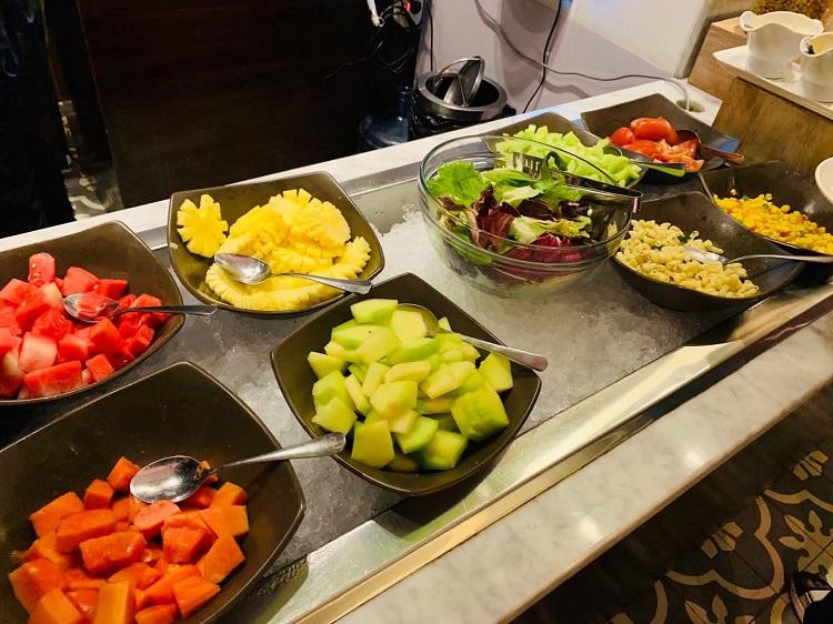 TGラウンジ フルーツ&サラダ