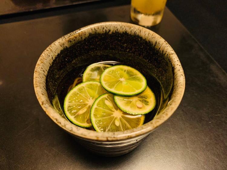 杜若 酢橘のお蕎麦