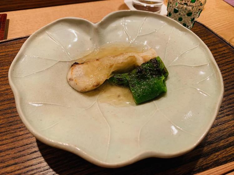 虎白 マナガツオと万願寺唐辛子の焼物