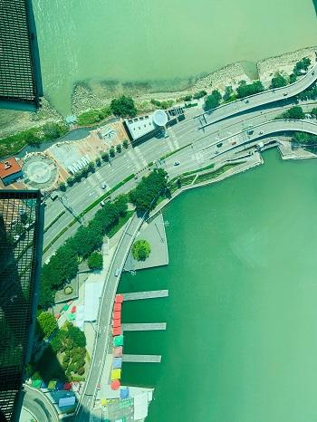 マカオ・タワー 展望台 ガラス張りの床
