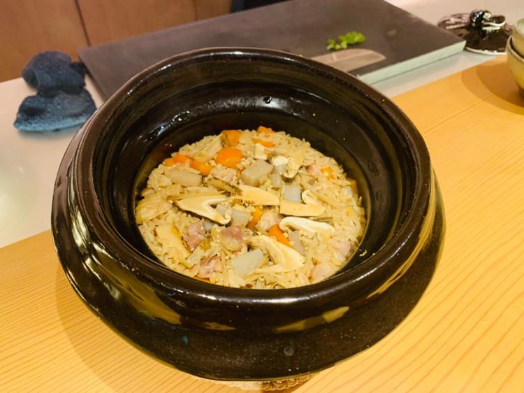 松茸と名古屋コーチンの鶏飯