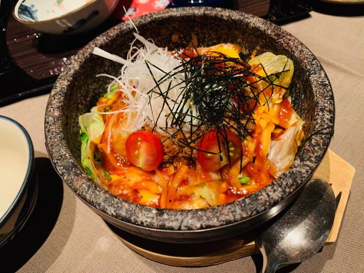GUSUKU 夕食 オリジナル石焼きタコライス