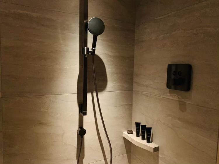 デラックスルーム シャワー