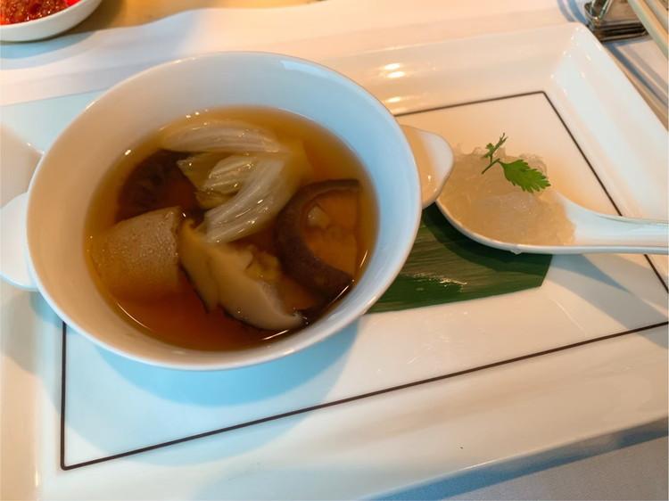 ヘイフンテラス 燕の巣と山海乾物入りスッポンの蒸しスープ