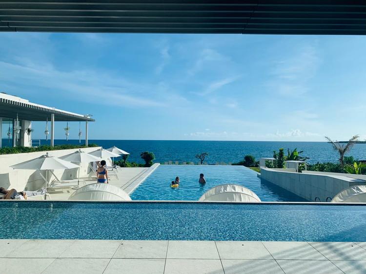 イラフ SUI ラグジュアリーコレクションホテル 沖縄宮古 エントランス